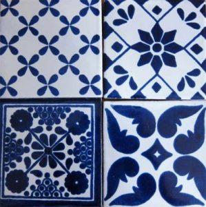 Blue tiles - inspiration for a Mediterranean style garden