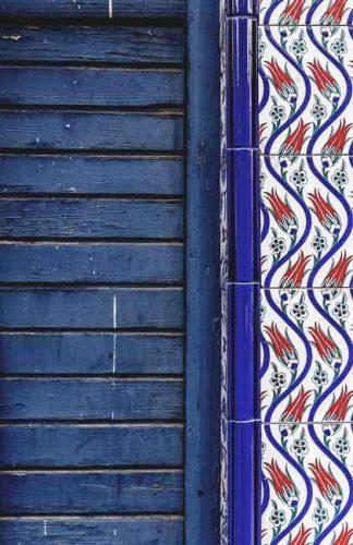 Iznik tiles with tulip motif - Weatherstaff PlantingPlanner blog